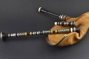 biniou en La bémol étamé avec bague en bronze et ivoire