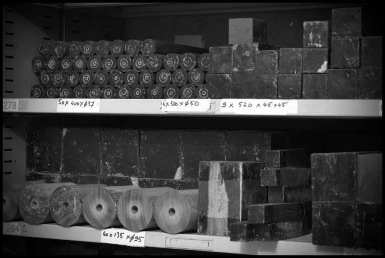 Stock d'ébène du Mozambique pour fabrication de bombardes